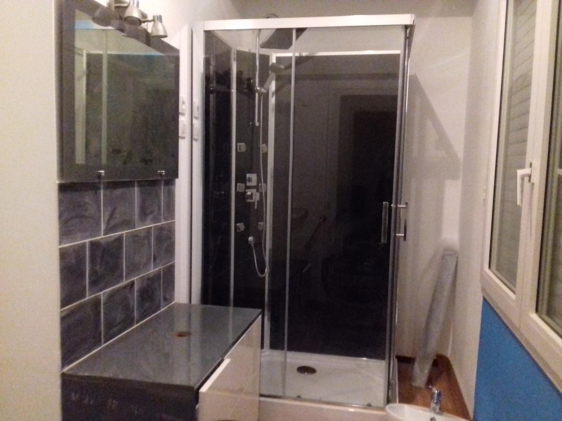 Salle de bain presque terminée !