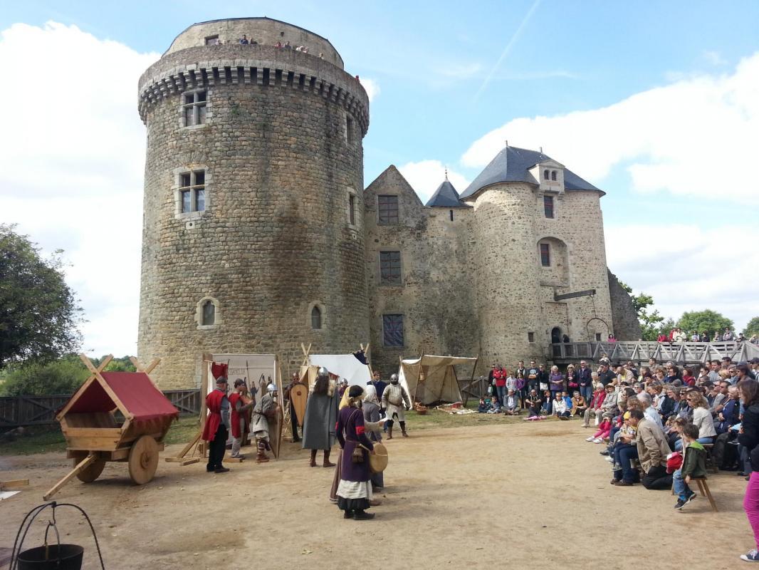 Chateau de saint mesmin 2013 09 16 11 33 39