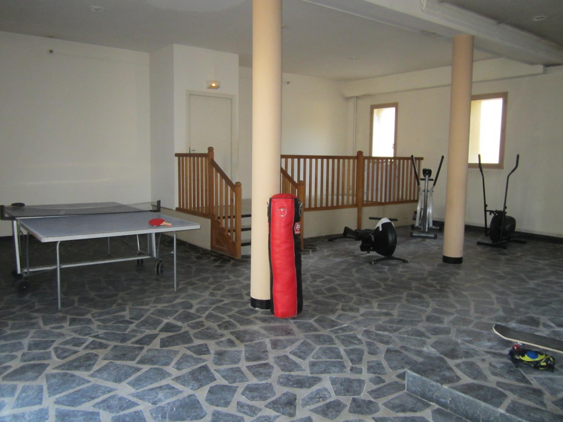 salle ping-pong, fitness