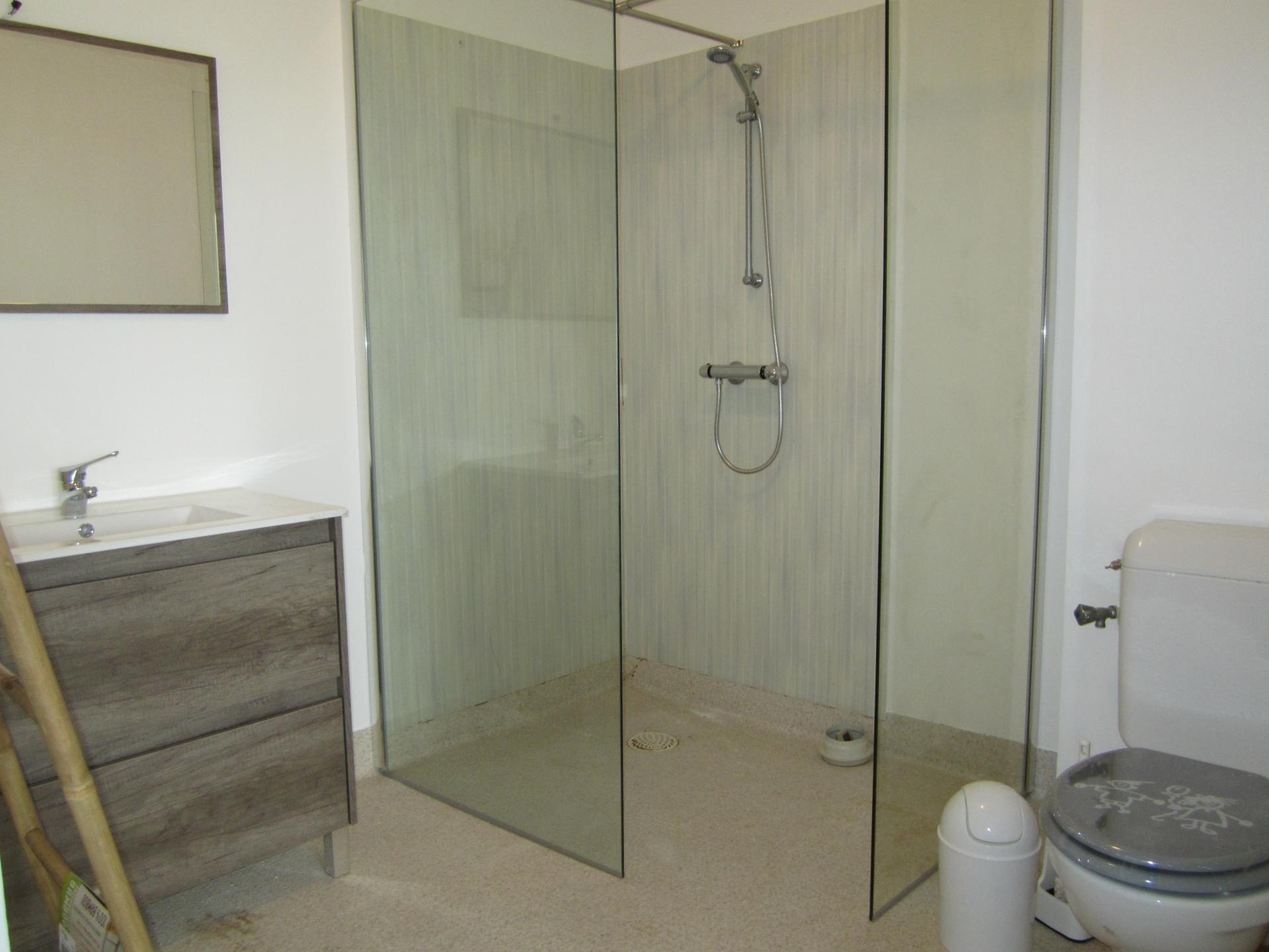 les salles de bains prennent forme
